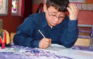 Okulda tek başına sınavda