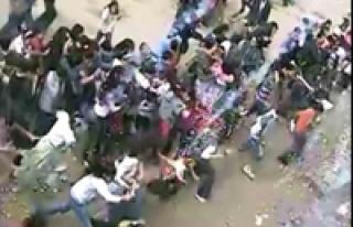 İlkokul öğrencilerine saldırdılar