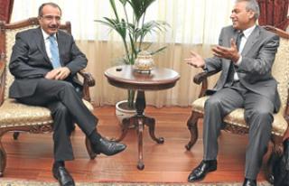 Abbas Güçlü'nün Milli Eğitim Bakanı Dinçer...