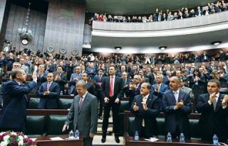 AK PARTİDE 3 DÖNEME TAKILAN VEKİLLER MEMURİYETE...