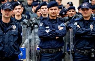 POLİSTE TAYİNLER ERTELENDİ
