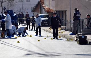 İSTANBUL'DA POLİSE SALDIRI: 1 ŞEHİT