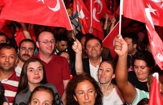MALTEPE'DE ZAFER BAYRAMI COŞKUSU