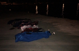Çanakkale'de göçmenleri taşıyan tekne battı:...