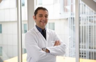 """Dr. Yaşar: """"Akıllı merceklerle ömür boyu gözlüklerinizden..."""