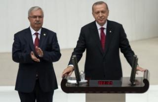 Cumhurbaşkanı Erdoğan TBMM'de Yemin Ederek...