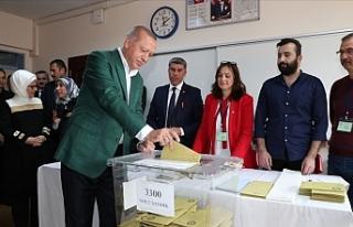Cumhurbaşkanı Recep Tayyip Erdoğan, Oyunu Üsküdar'daki...