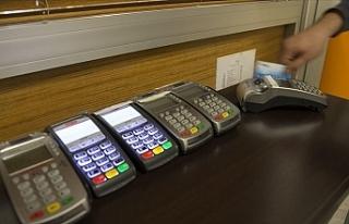 Merkez Bankası, Kredi Kart Faiz Oranlarını Yeniden...