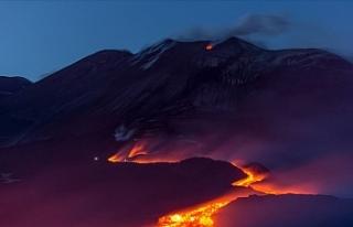 Avrupa'nın En Yüksek Aktif Yanardağı Etna'dan...