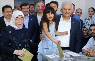 İstanbul Halkının Verdiği Kararın Başımız...