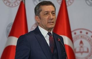 Milli Eğitim Bakanı Ziya Selçuk'tan Karne...