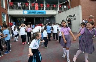 İstanbul'da 3 Milyona Yakın Öğrenci ve 200...