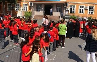 İstanbul Valiliği 9 İlçede 14 Okulu Tatil Etti...