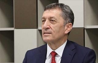 Milli Eğitim Bakanı Ziya Selçuk, İngilizce Öğretmen...