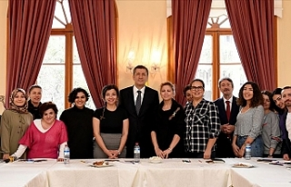 Bakan Selçuk: Öğretmenim Elimi Tut Projesi Öğretmenleriyle...