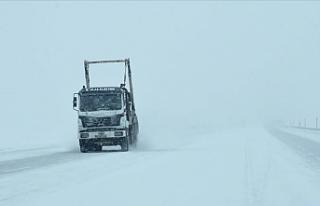 Van, Hakkâri ve Bitlis'te Kar Yağışı Nedeniyle...