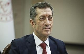 Milli Eğitim Bakanı Ziya Selçuk: Öğrencilere...