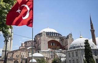 Katolik Rahipten Türkiye ve Erdoğan'a Ayasofya...