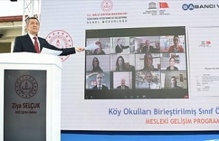 7 Binin Üzerinde Köy Okulu Öğretmeni Mesleki Gelişim...