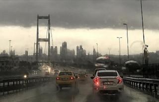 İstanbul'da Etkili Olan Yağış Sürücülere...