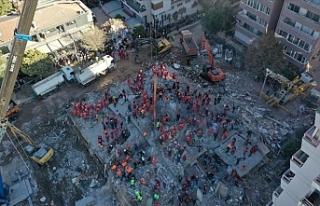 İzmir'de Korku Dolu Anlar: Rıza Bey Apartmanı'nın...