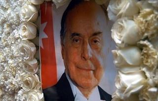 Azerbaycan'ın Umummilli Lideri Haydar Aliyev'in...