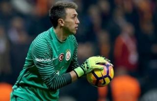 Fernando Muslera 2024'e kadar Galatasaray'da