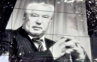 Büyük Türk Romancısı Cengiz Aytmatov Vefat Yıl...