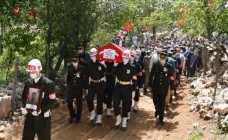 Şehit Sözleşmeli Er Çakır, Son Yolculuğuna Uğurlandı
