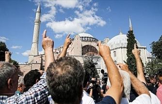 86 Yıllık Hasret Bitiyor! Danıştay'ın Ayasofya Kararının Ardından Vatandaşlardan Sevinç Gösterisi