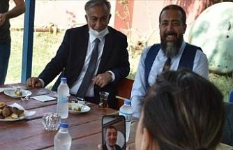 Bakan Selçuk Iğdır'daki Köy Öğretmenleriyle Telefon Aracılığıyla Görüntülü Görüştü