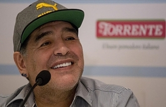 Arjantinli Efsane Futbolcu Diego Armando Maradona 60 Yaşında Hayatını Kaybetti