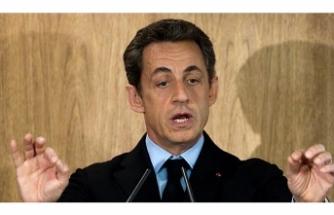 Fransa Eski Cumhurbaşkanı Sarkozy'ye 3 Yıl Hapis Cezası