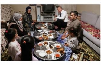 Cumhurbaşkanı Erdoğan, Bir Vatandaşın Evinde İftar Yaptı