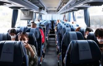 'Kademeli Normalleşme'nin İlk Gününde Otogar ve Havalimanlarında Hareketlilik Yaşanıyor