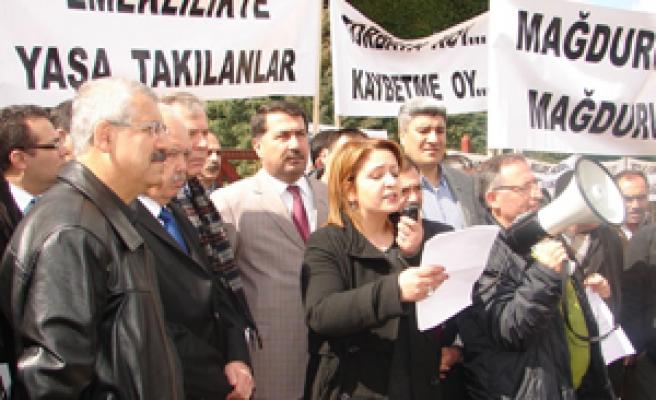 'EMEKLİLİKTE YAŞA TAKILANLAR' grubu BASIN BÜLTENİDİR.