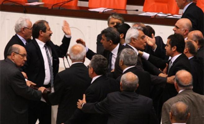 Meclis'te Fethullah Gülen kavgası!