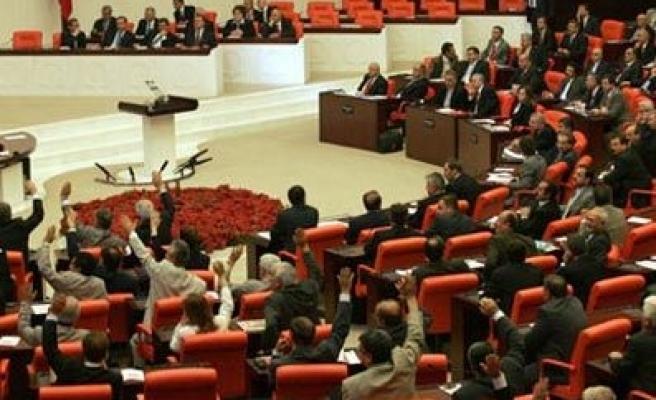 MEB'e ve SGK'ya açıktan atama izni, Meclis Genel Kurulundan geçti