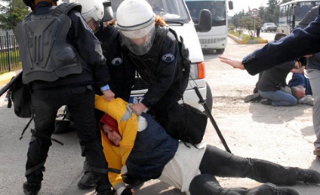 Samsun Sigara'da polis yine saldırdı