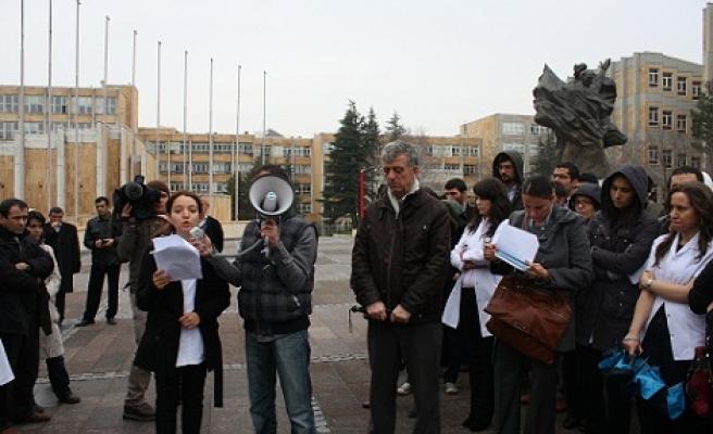 Ankara'da asistanlardan G(ö)rev çağsırı