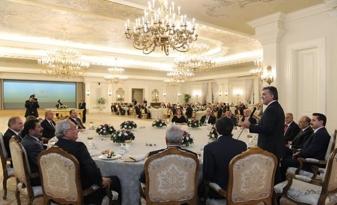 Cumhurbaşkanı Gül'den İş ve Meslek Kuruluşu Temsilcilerine İftar