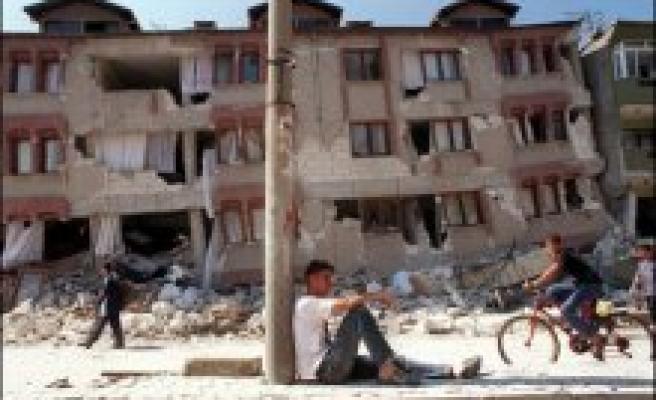 Deprem vergisi olarak toplanan 40 milyar lira kayıp