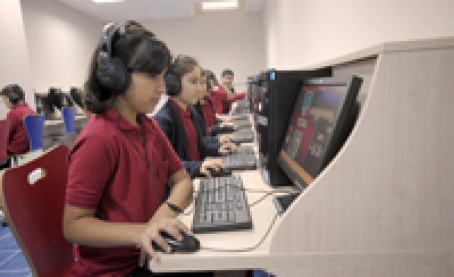 Akıllı tahta ve tablet bilgisayarlar geliyor