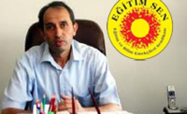 EĞİTİM-SEN: 'BASKI VE TUTUKLAMALAR DEMOKRATİK HAK MÜCADELEMİZİ ENGELLEYEMEZ'