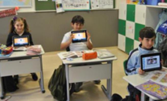 Teknoloji sınıfta iyi ama ya çocukları yalnızlığa iterse!