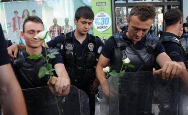 POLİS SOSYAL MEDYAYI SUÇLADI