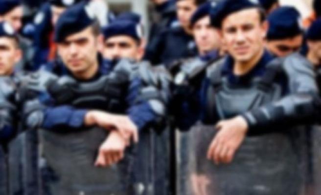 POLİSLER MİLLETVEKİLLERİ HAKKINDA SUÇ DUYURUSUNDA BULUNDU