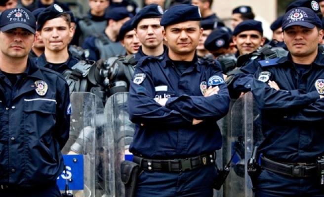 BAKAN GÜLER'DEN POLİSE UYARI GENELGESİ