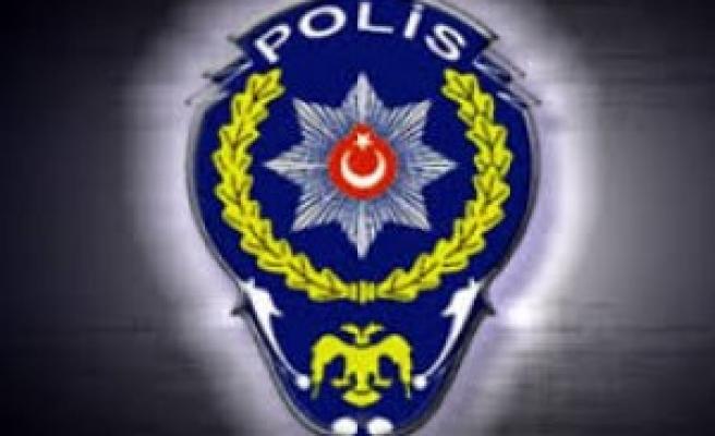 ŞANLIURFA'DA 7 POLİS AÇIĞA ALINDI