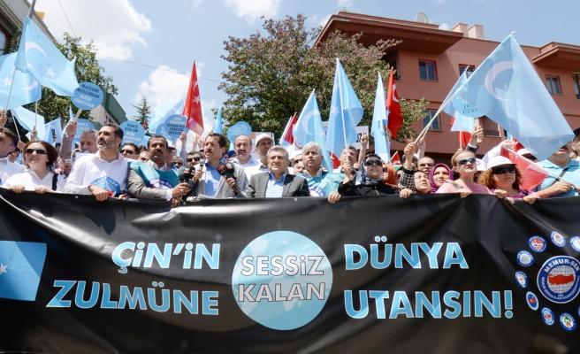 MEMUR-SEN'DEN ÇİN'İ PROTESTO EYLEMİ